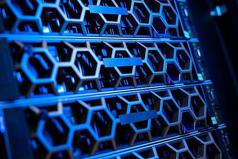 illuminated-blue-servers-in-a-hyperconve