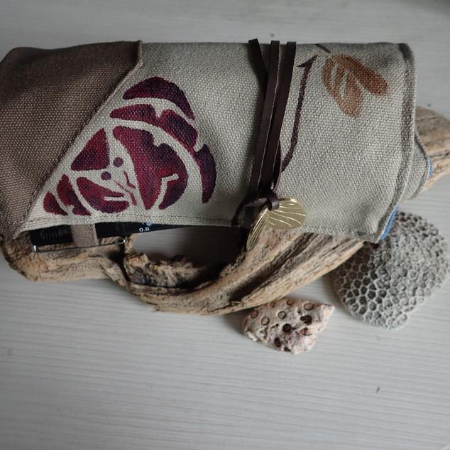 Seashore pen case I