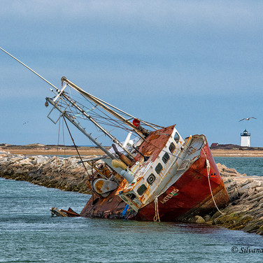 Wreck of the Artemis and Wood End Light