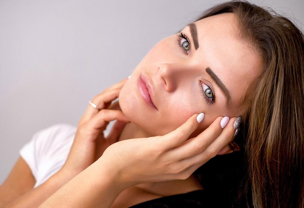 problème de peau et hypnose : acné, eczéma, psoriasis, démangeaison, hypnose Paris 10, Laurie Le Borgès, hypnotherapeute Paris 10