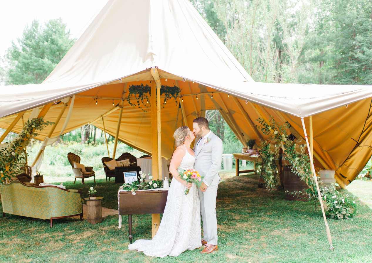 Intimate Outdoor Weddings_4