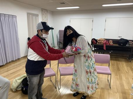 【コルカタ文化交流団体KCSJさんから花束を頂きました🙏】