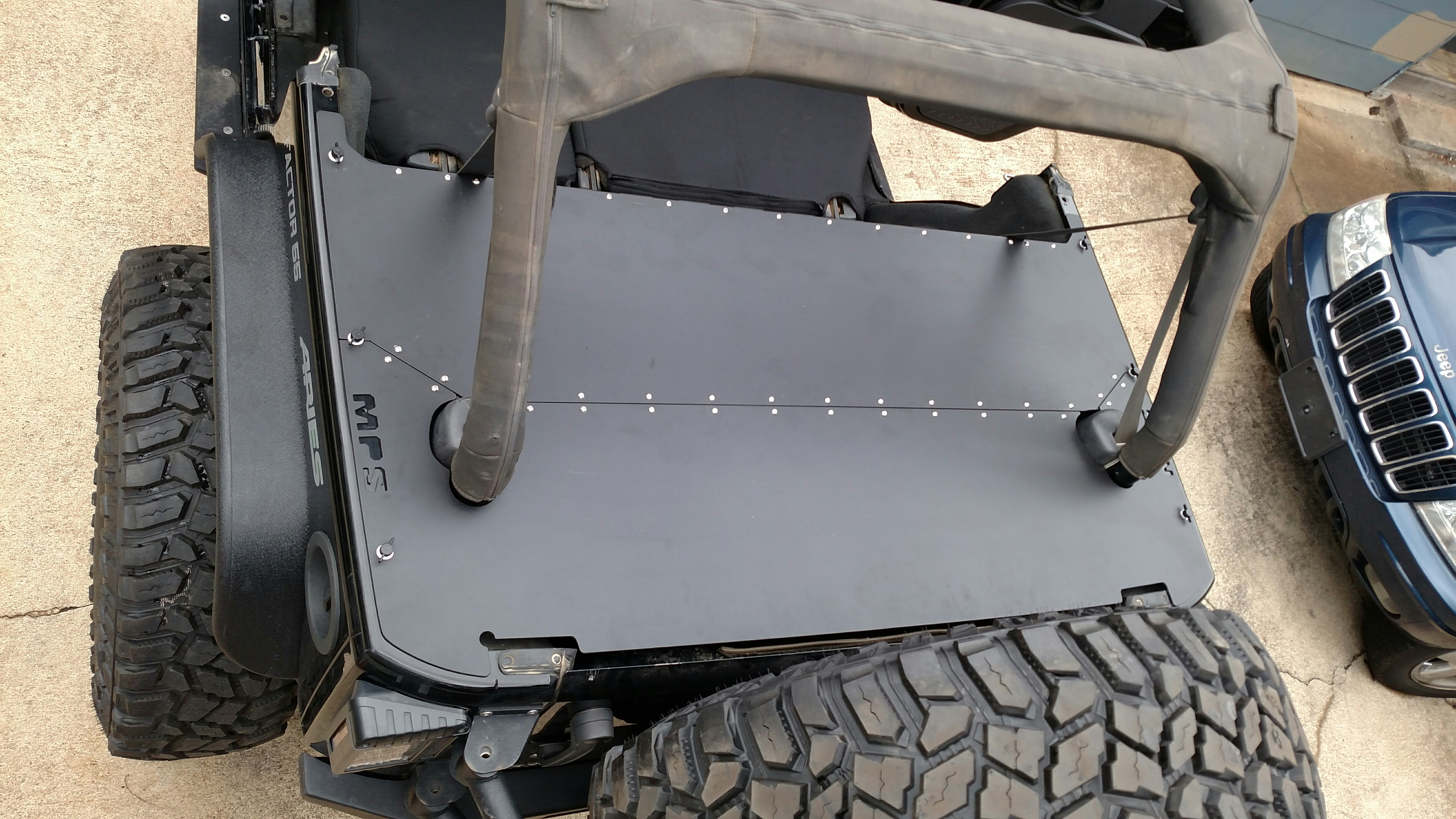 2007-10 JKU REAR CARGO DECK COVER