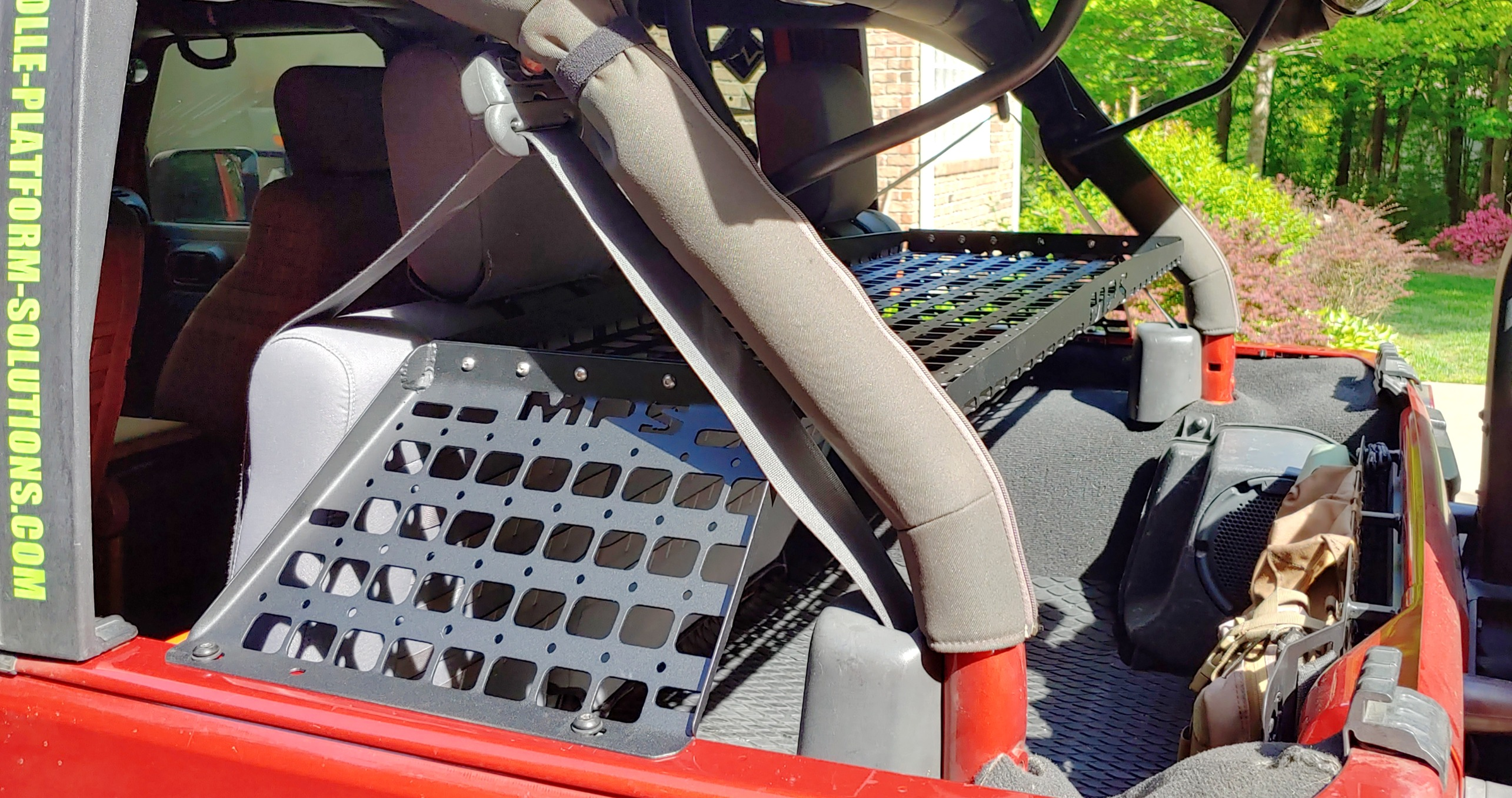 JKU REAR MOLLE TRAY