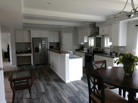 Kitchen3sm.jpg