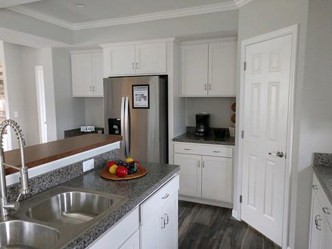 Kitchen6sm.jpg