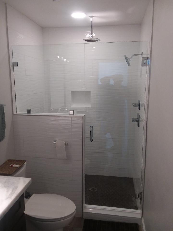 Clipped Frameless shower