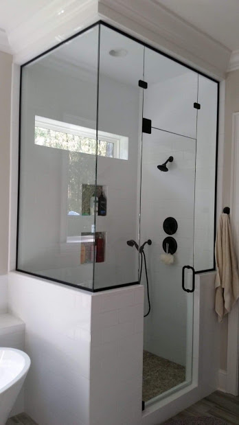 Heavy glass steam shower