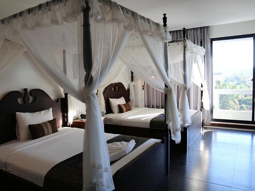 Yeakloam Hotel .png