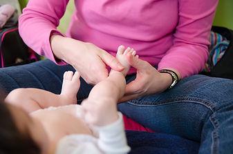 Massage bébé AFMB