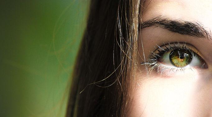 eye-eye-lashes-eyeball-840810.jpg