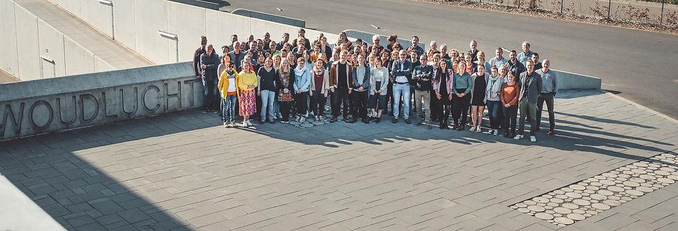 Groepsfoto leerkrachten-3 bijgesneden_be