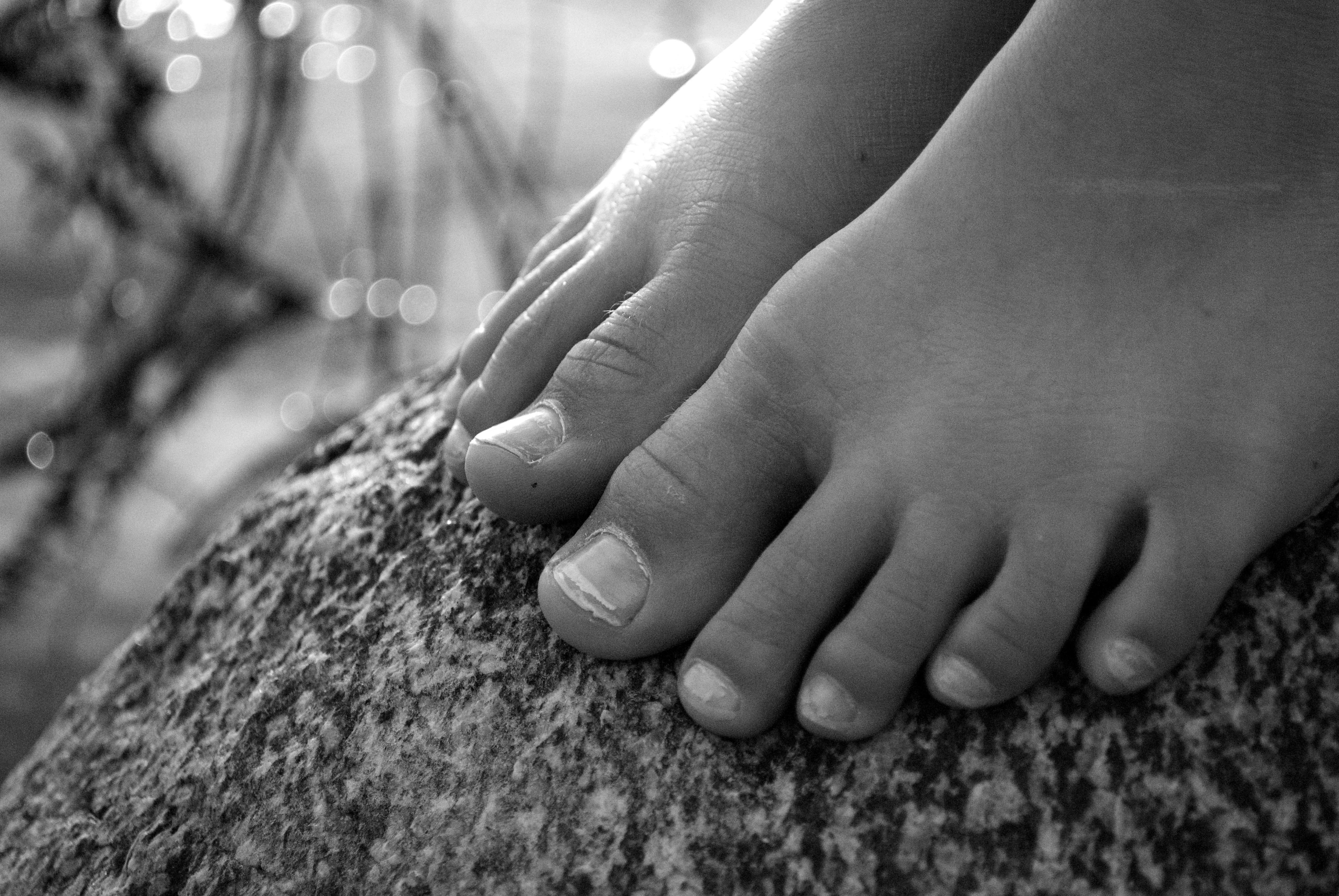 Bitty Feet