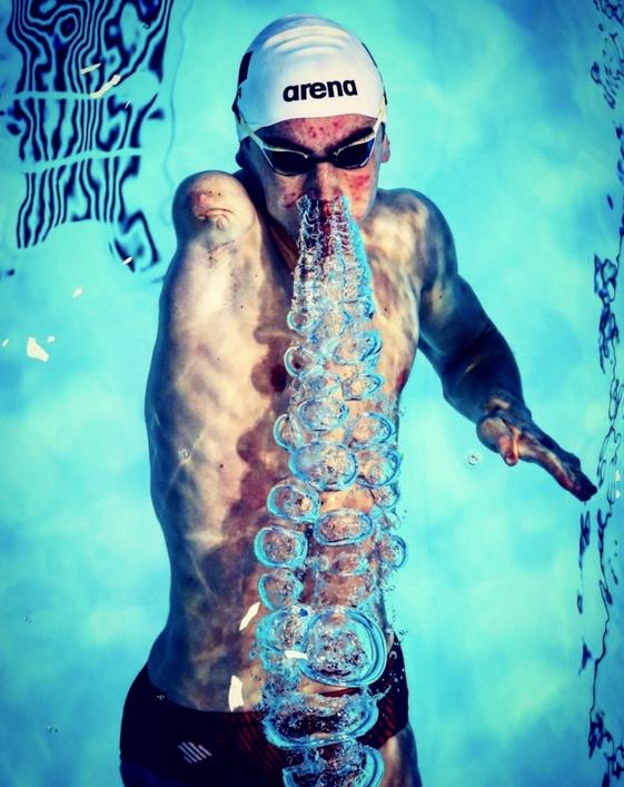 """""""Diogo Cancela"""" von Ian Macnicol. Erster Platz, Sport in Aktion. """"Diogo Cancela"""" von Portugal wird während des Trainings vor dem dritten Tag des britischen Para-Swimming International-Meetings einschließlich der WPS World Series im Tollcross International Swimming Centre am 27. April 2019 in Glasgow, Schottland, gezeigt."""