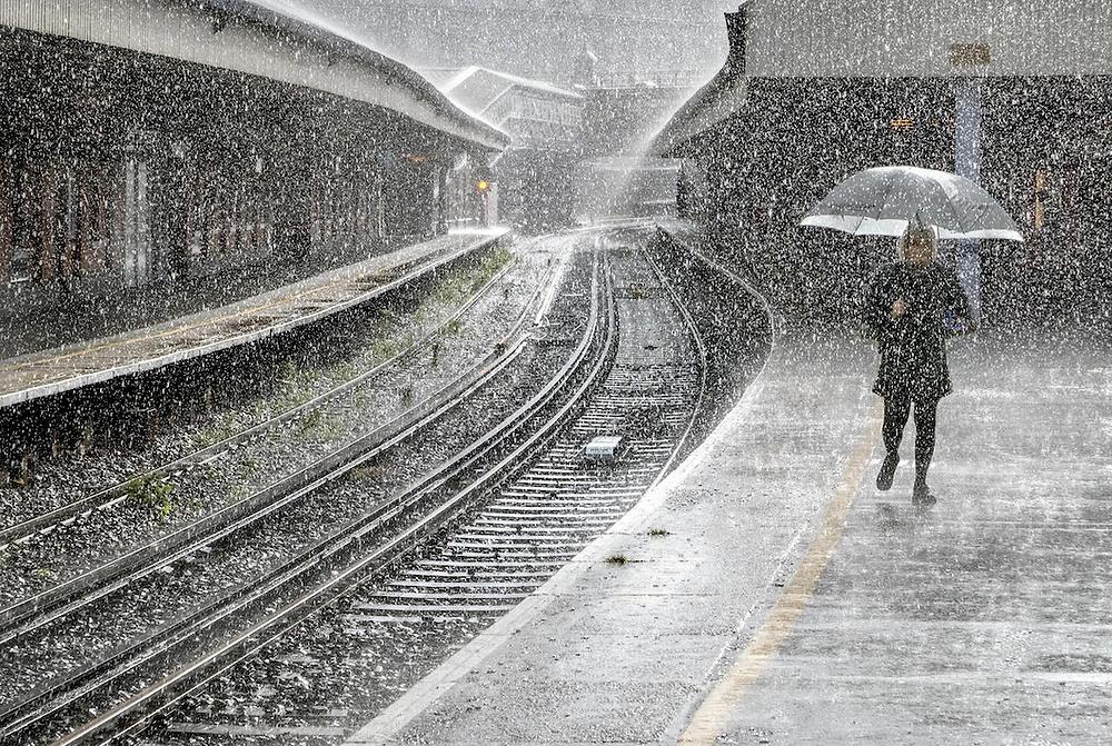 Just Walking in the Rain von Adrian Campfield