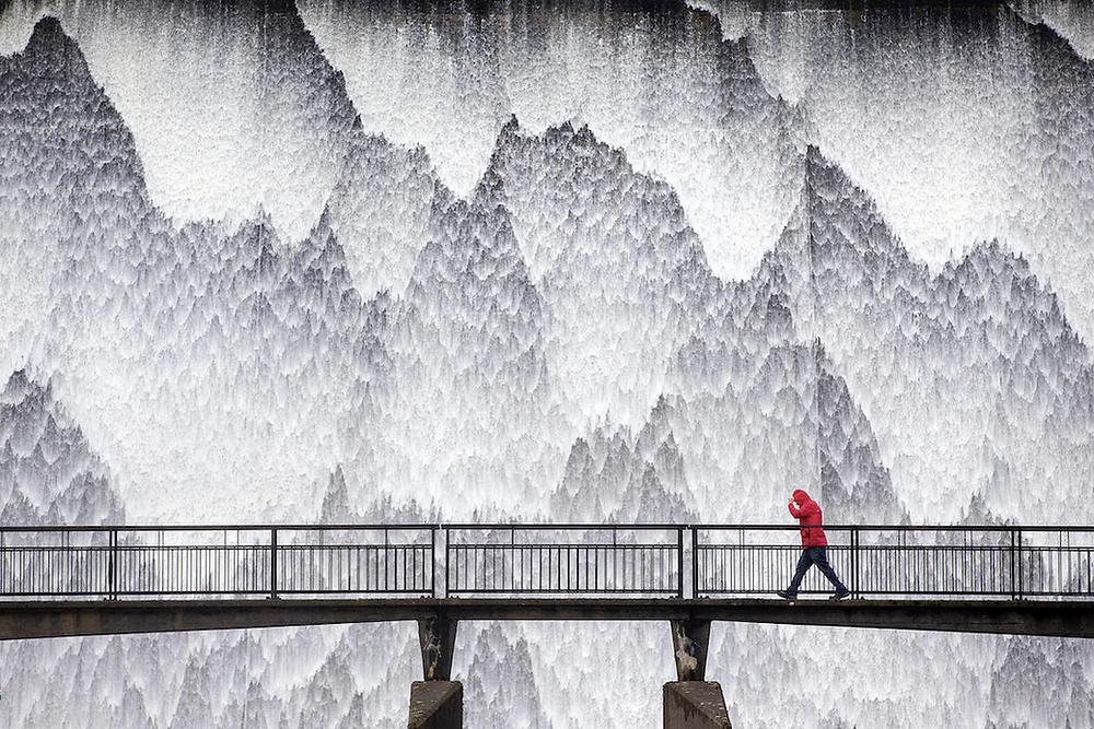 Dam Wet von Andrew McCaren