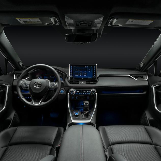 2021_RAV4-Prime_Interior_05