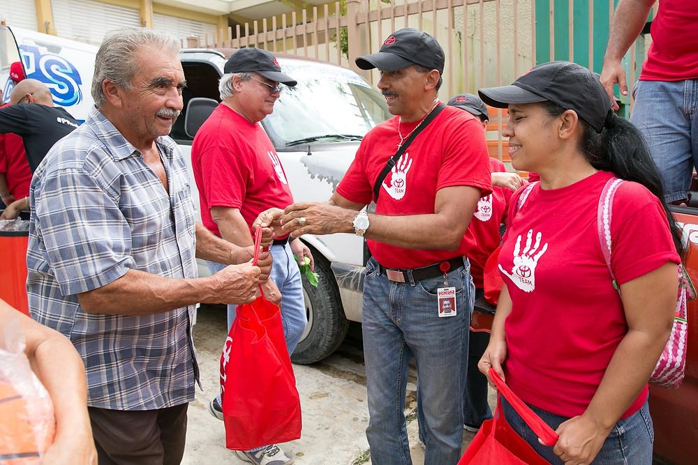 La visita a Utuado es el más reciente esfuerzo de Toyota para aportar a la recuperación del País