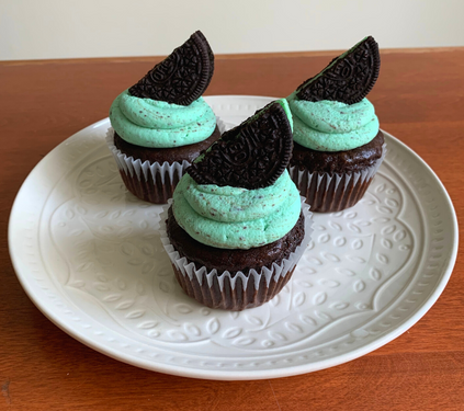 mint choc chip cupcakes (1).png