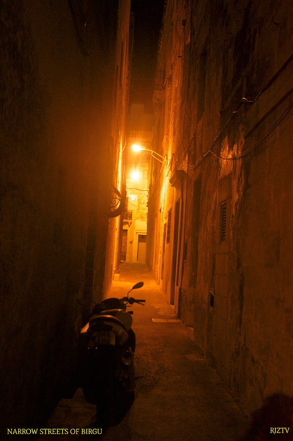 Narrow streets of Birgu