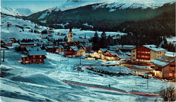 Bergfried mitte links um 1965 ... noch alleine :)