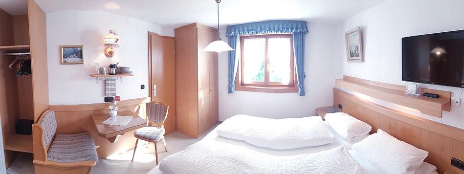 Doppelzimmer Bärenkopf_edited.jpg