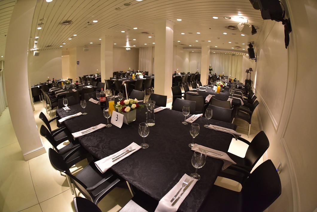 מרכז שולחן באירוע בריתה