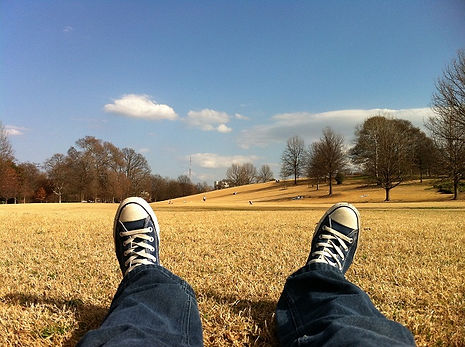Relaxation Allongé dans l'herbe