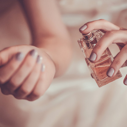 A Guide In Patching Skin When Buying Perfume and Testing Sensitive Skin