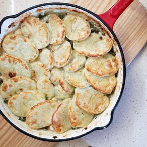 Pastel de pollo cremoso y kale