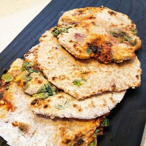 Tortillas integrales con verdeo y tomates