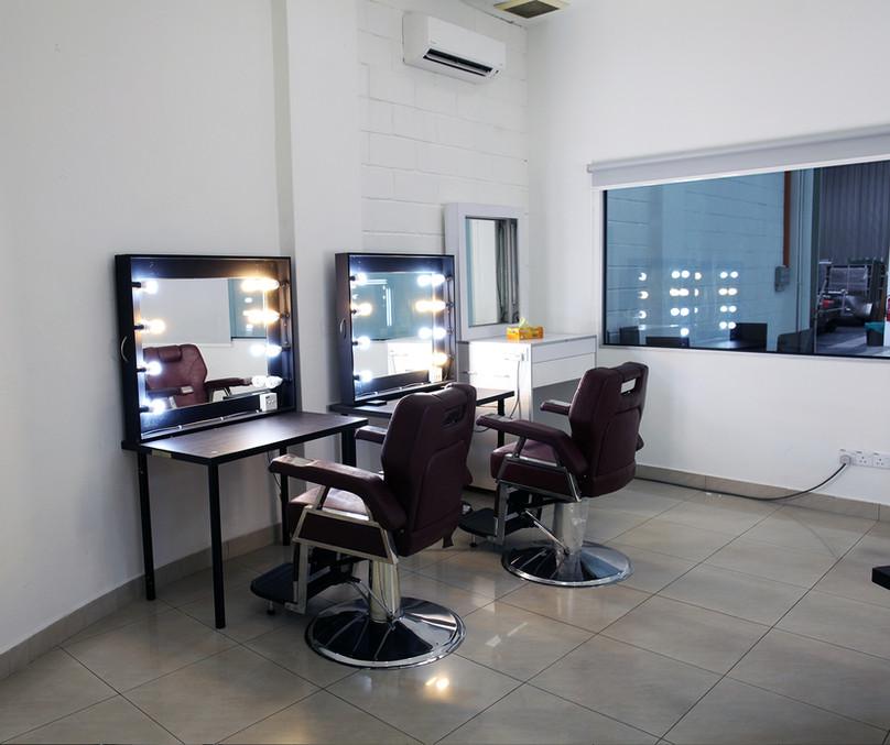 GF - Make Up Room