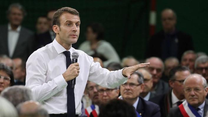 Emmanuel Macron et le Grand Débat: le retour de la politique