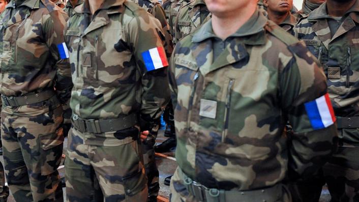 France : Un militaire, ça démissionne ou ça ferme sa gueule...