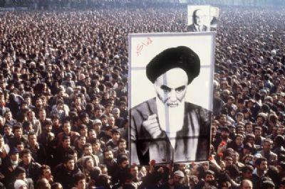 1er février 1979: L'ayatollah Khomeiny rentre en Iran