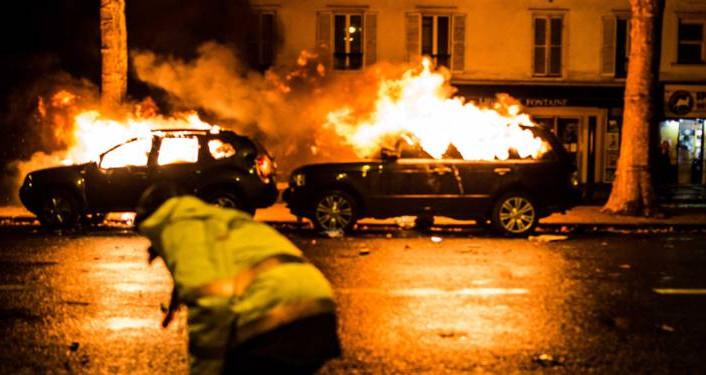 """""""Gilets Jaunes"""" : veillée d'armes ou la République contre les factieux"""