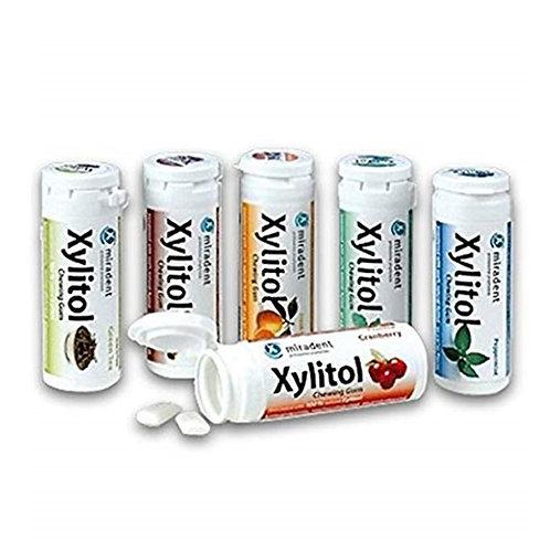 """""""Miradent Xylitol"""" becukrė kramtoma guma su ksilitoliu (yra įvairių skonių)"""