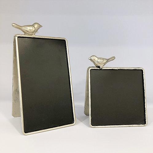 Kreidetafel mit Vogel