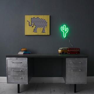 led-neon-light-green-cactus-lifestyle.jpg