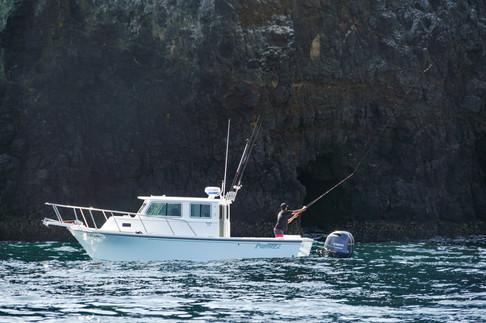 Parker Boats 2530EXT Lifestyle Casting.j
