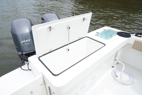 Parker Boats 2501CC Transom Storage.JPG