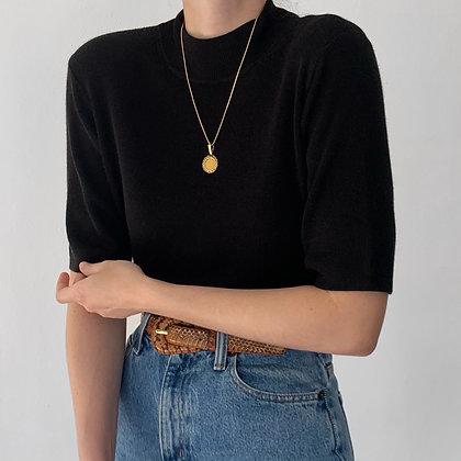 Essential Vintage Noir Knit Mock Neck Shirt