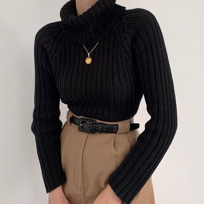 Vintage Onyx Ribbed Knit Turtleneck Sweater