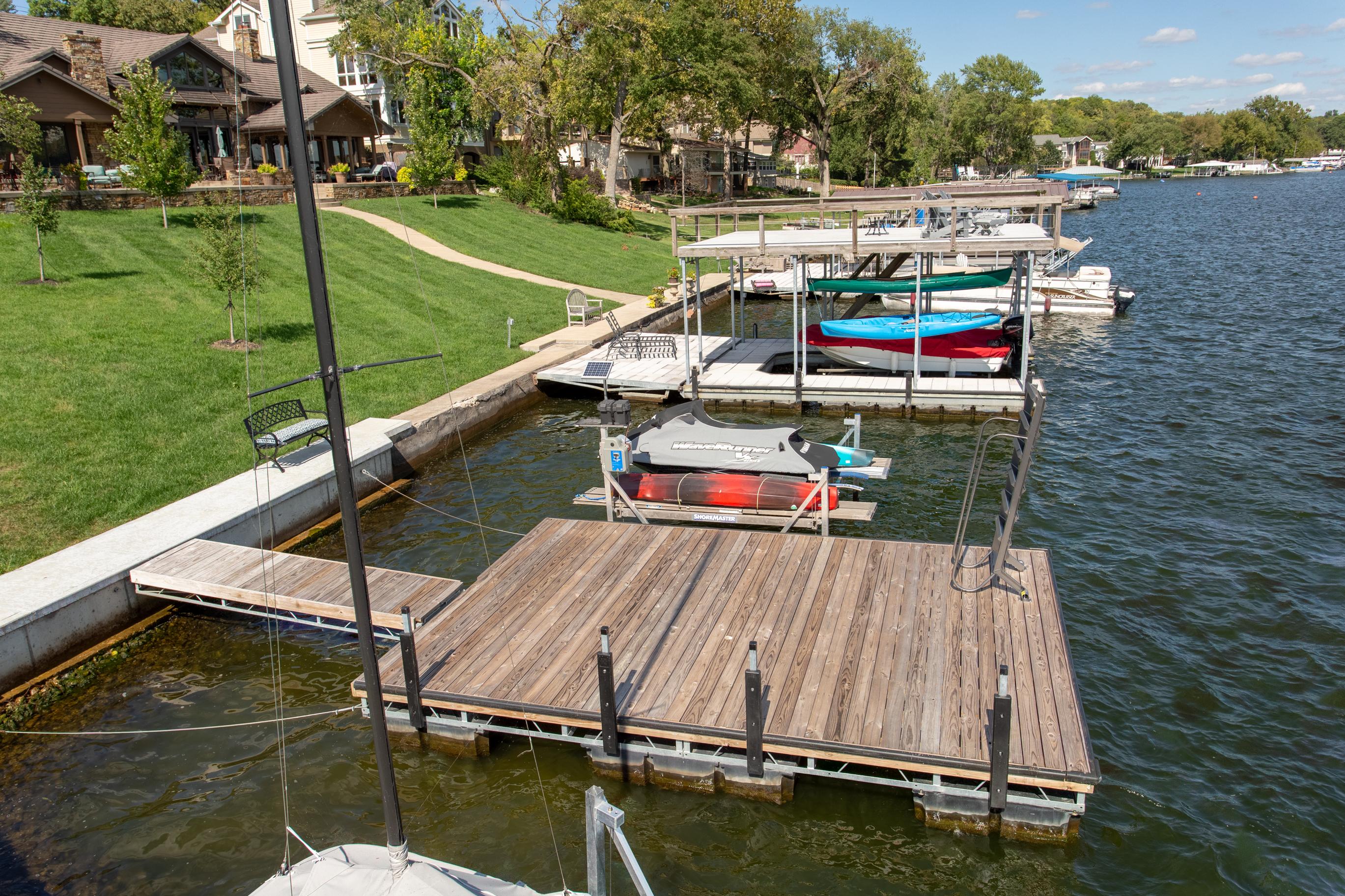 Williams Lakefront Construction | Custom Boat Docks | Wholesale