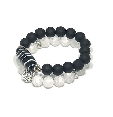 Black and White Bracelet Pair