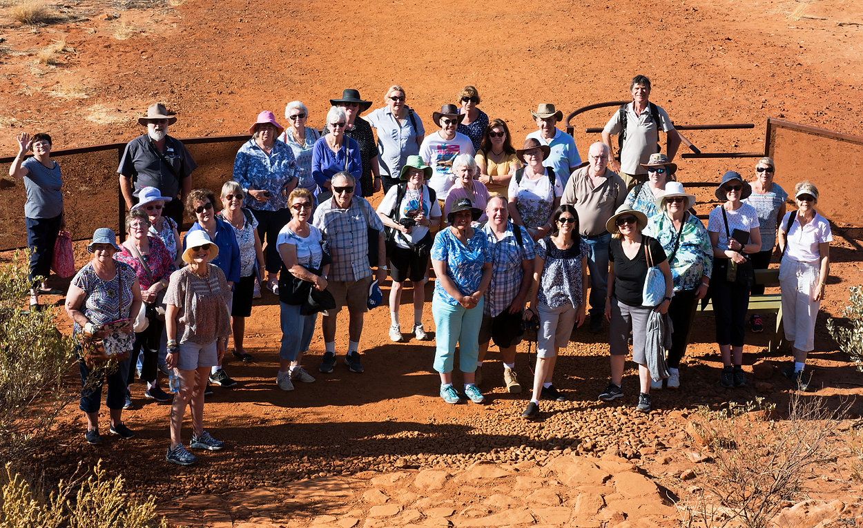 CENTRAL-AUSTRALIA-TOUR---GROUP-PHOTO-FOR