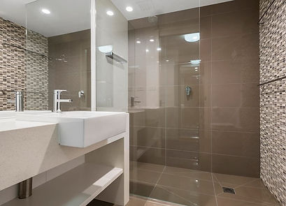QHWG-Queen-Suite-Bathroom-2-1024x738.jpg