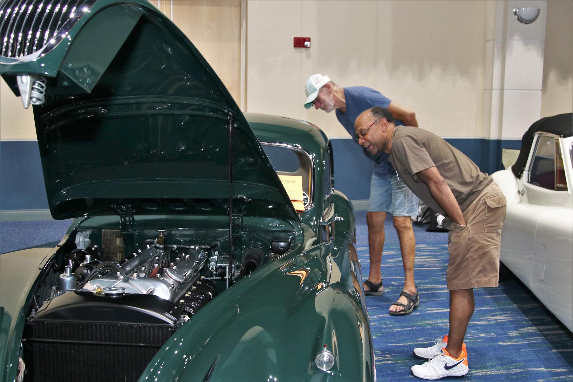 Jaguar of SW FL Car Show_4 (9)