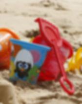beach-sea-sand-play-red-child-679808-pxh