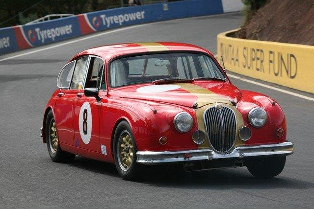 Jaguar Mk2 Race Car